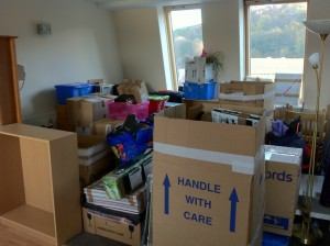 Moving services in Ottawa have tips and schedules that can help save you from stress when unpacking.